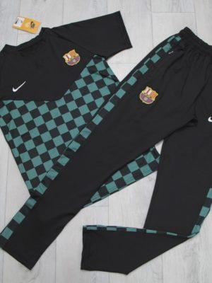 whatsapp image 2020 05 22 at 11.37.50 1 300x400 - Спортивный костюм Nike (Barcelona)