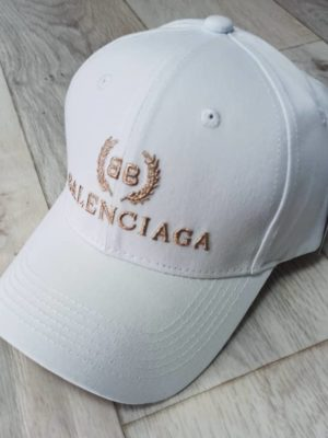 whatsapp image 2020 06 05 at 16.09.50 1 300x400 - Бейсболки Balenciaga